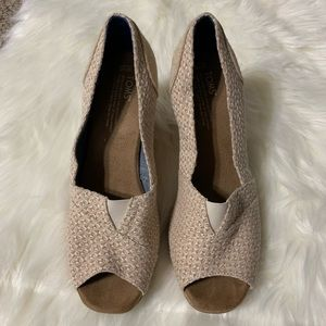 Toms blush pink peep toe wedges size 10